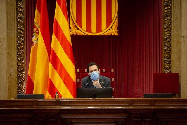 El president del Parlament, Roger Torrent, en una sessió plenària al Parlament. Barcelona, Catalunya (Espanya), 22 d'octubre del 2020.