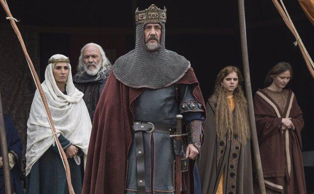 El Rey Fernando I la reina Sancha de León en la serie El Cid