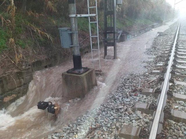 Les pluges en el Vallès provoquen el tall de les línies R4, R7 i R12 de Rodalies per danys en les infraestructures de Renfe