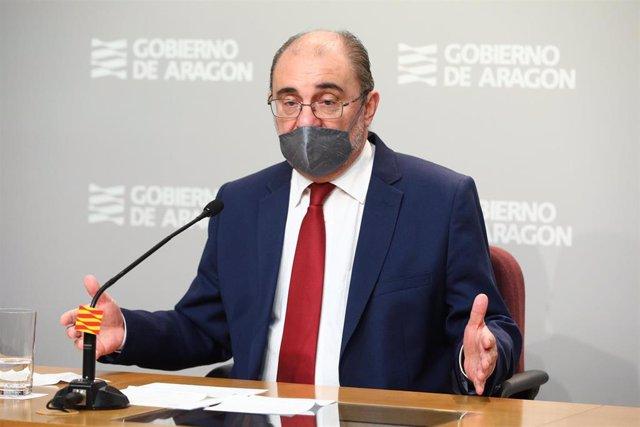 El presidente del Gobierno de Aragón, Javier Lambán, en la rueda de prensa de este sábado