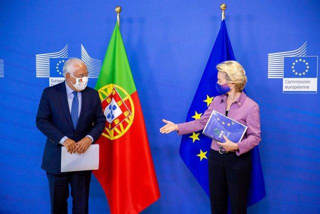 HANDOUT - 15 October 2020, Belgium, Brussels: European Commission President Ursula von der Leyen (R) receives Portugal's Prime Minister Antonio Costa, prior to their meeting ahead of a two days EU summit. Photo: Xavier Lejeune/European Council/dpa - ATTEN