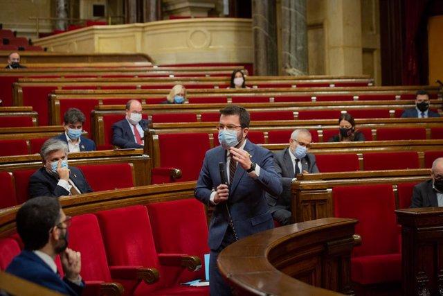 El vicepresident de la Generalitat i coordinador nacional d'ERC, Pere Aragonès intervé durant una sessió plenària en el Parlament de Catalunya, a Barcelona.