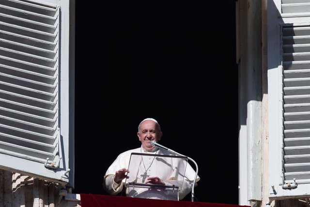 13 December 2020, Vatican, Vatican City: Pope Francis delivers the Angelus noon prayer in St. Peter's Square. Photo: Evandro Inetti/ZUMA Wire/dpa
