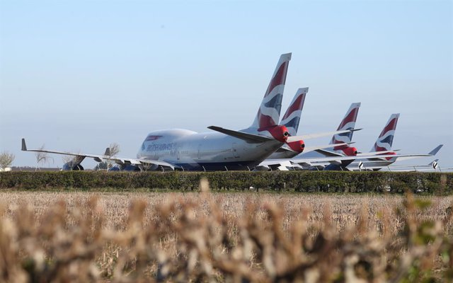 01 April 2020, England, Bournemouth: British Airways aircrafts are seen parked at Bournemouth airport after the airline reduced flights amid travel restrictions and a huge drop in demand as a result of the coronavirus pandemic. Photo: Andrew Matthews/PA W
