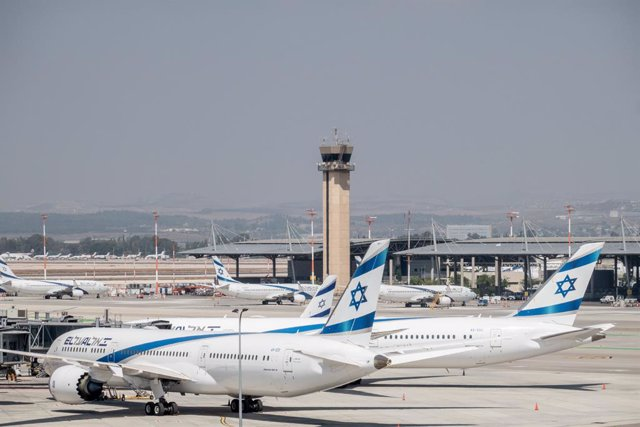 03 August 2020, Israel, Tel Aviv: Aircraft of the Israeli airline El Al Airlines are parked at Ben Gurion International Airport due to the imposed travel restrictions and flight cancellations amid the spread of the coronavirus pandemic. Photo: Nir Alon/ZU
