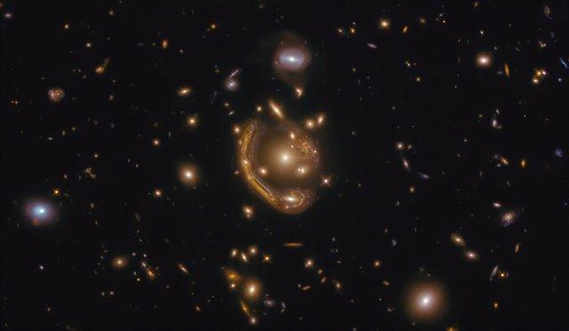 El anillo de Einstein conocido como 'anillo fundido'