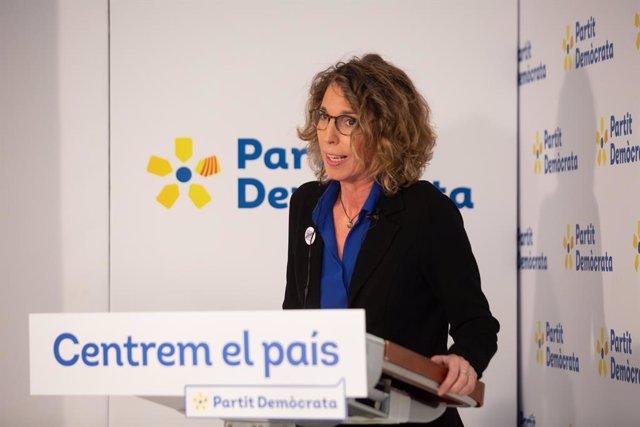 L'exconsellera i candidata del PDeCAT a les eleccions catalanes, Àngels Chacón, en una trobada digital d'Europa Press. Barcelona, Catalunya (Espanya), 17 de desembre del 2020.