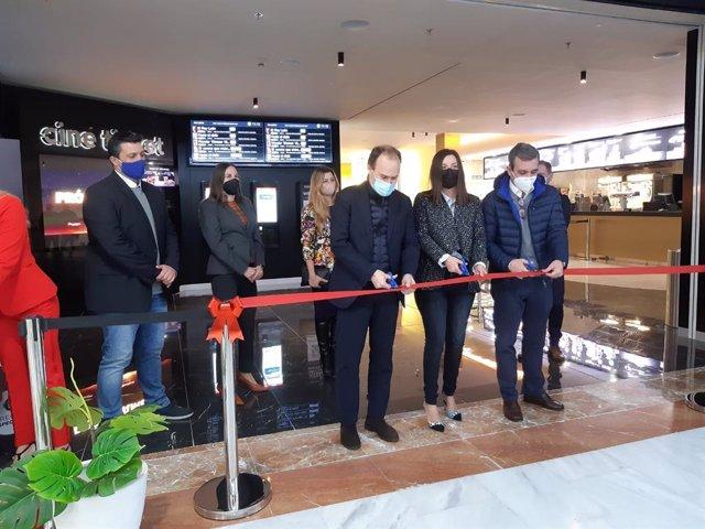 Yelmo inaugura este martes en Bahía Sur su primer cine en la provincia