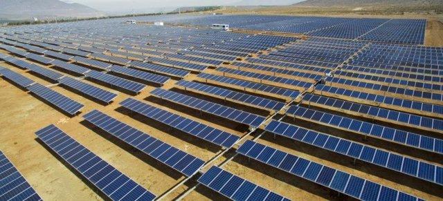 La compañía española productora de energía a partir de fuentes renovables Grenergy ha cerrado un acuerdo de financiación de tres nuevas plantas solares en Chile con la Corporación Interamericana para el Financiamiento de Infraestructuras (CIFI), por un