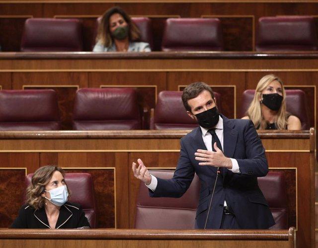 El líder del PP, Pablo Casado, interviene durante una nueva sesión de control al gobierno en el Congreso de los Diputados, en Madrid, (España), a 30 de septiembre de 2020.
