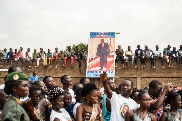 Partidarios del presidente Faustin-Archange Touadéra en un mitin en Bangui