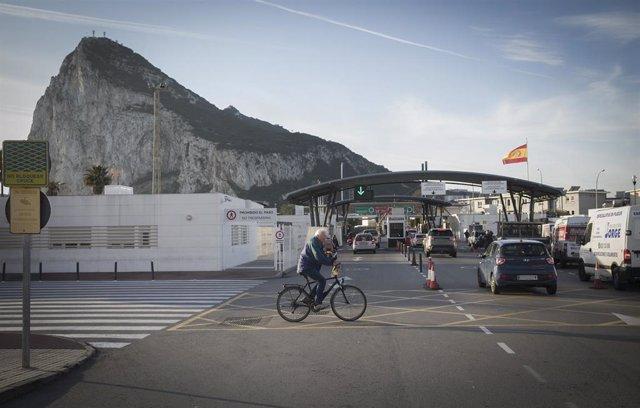 Imágenes de recurso de Gibraltar en su último día perteneciente a la Unión Europa. Frontera entre La Línea de la Concepción y Gibraltar. En 31 de enero de 2020. (Foto de archivo).
