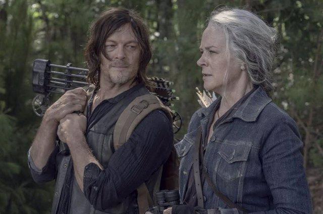 Norman Reedus y Melissa McBride en The Walking Dead