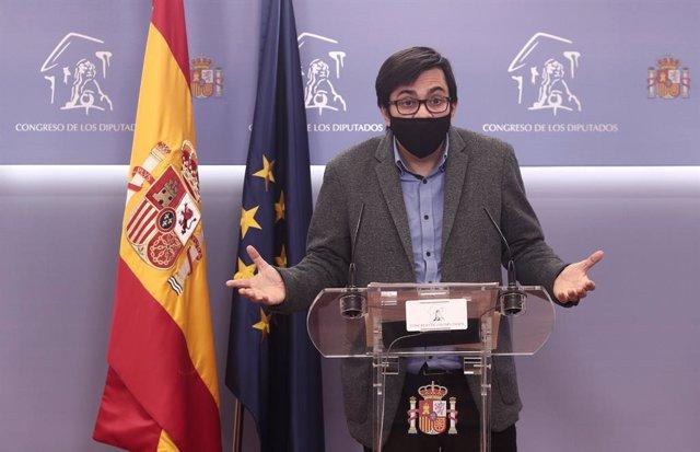 El secretari primer del Congrés i diputat d'ECP, Gerardo Pisarello, en una roda de premsa després de la reunió de la Mesa del Congrés dels Diputats. Madrid, (Espanya), 30 de novembre del 2020.