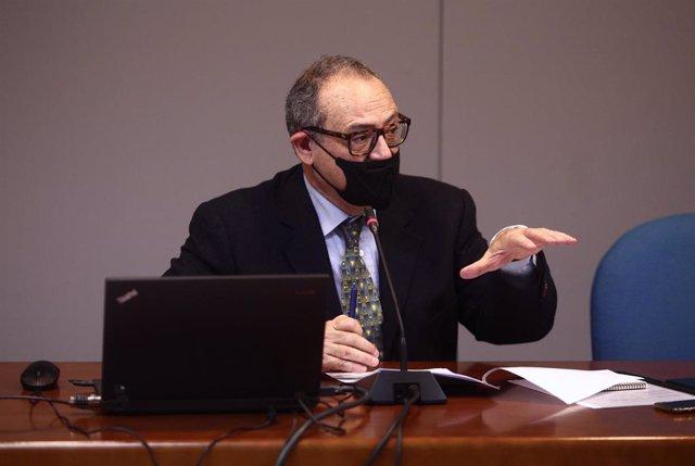 El delegado del Gobierno para el Plan Nacional Sobre Drogas, Joan Ramón Villalbí, durante la presentación de la Encuesta sobre alcohol y otras drogas en España, EDADES, en Madrid (España), a 14 de diciembre de 2020.