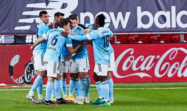 Real Club Celta de Vigo celebrating the victory during the Spanish league, La Liga Santander, football match played between Athletic Club and Real Club Celta de Vigo at San Mames stadium on December 04, 2020 in Bilbao, Spain.