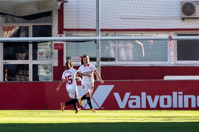 Celebrate score of Claudia Pina of Sevilla during Liga Iberdrola Women's, football match played between Sevilla Futbol Club and Union Deportiva Granadilla Tenerife Egatesa at Jesus Navas Stadium on December 22, 2020 in Sevilla, Spain.