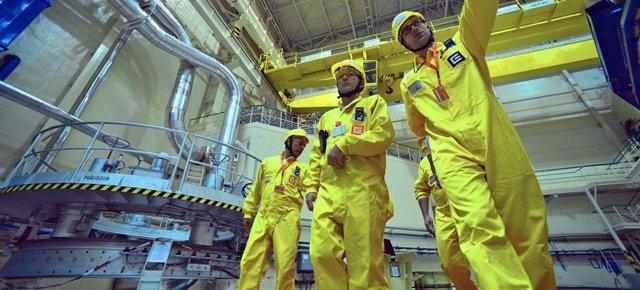 El Organismo Internacional para la Energía Atómica verifica que los países cumplen con sus compromisos internacionales sobre el uso de materiales nucleares.