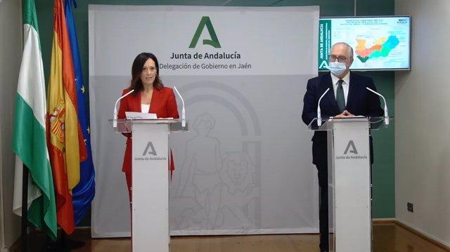 Maribel Lozano, en la rueda de prensa junto a Jesús Estrella.
