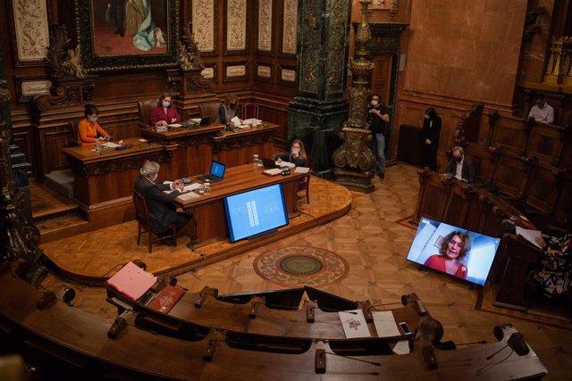 Sessió plenària a l'Ajuntament de Barcelona. Catalunya (Espanya), 30 d'octubre del 2020.