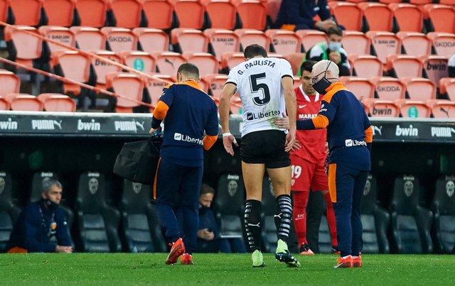 Gabriel Paulista se lesiona en el Valencia - Sevilla