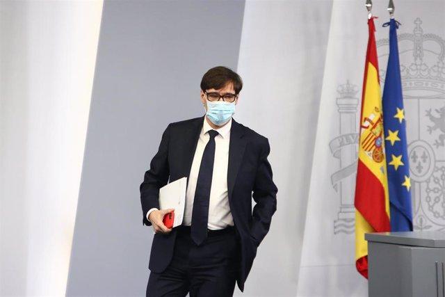 El ministro de Sanidad, Salvador Illa, ofrece una rueda de prensa desde la Secretaría de Estado de Comunicación, en Madrid (España), a 18 de diciembre de 2020. La comparecencia del ministro se produce a menos de una semana para la celebración de Navidad y