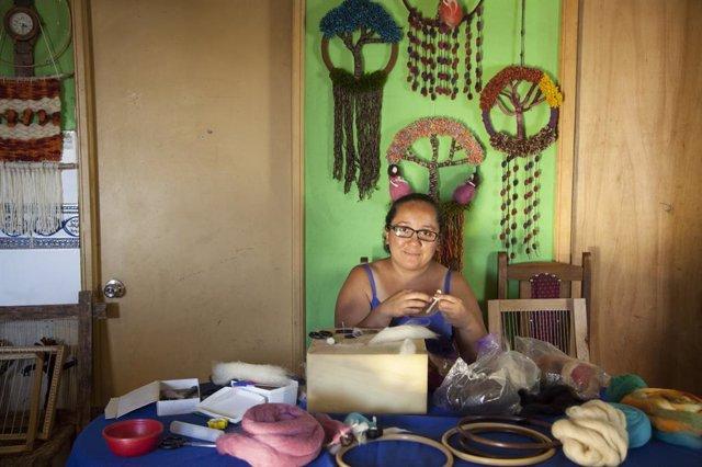 La Fundación Microfinanzas BBVA, a través de su entidad en Chile, Fondo Esperanza, ha lanzado una emisión de papel comercial por valor de 20 millones de dólares en el país andino