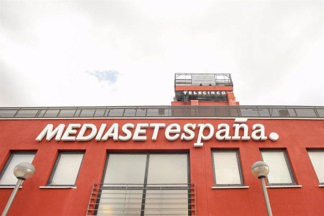 Cartel de Mediaset España en la Sede de Telecinco, en Madrid (España) a 5 de marzo de 2020.