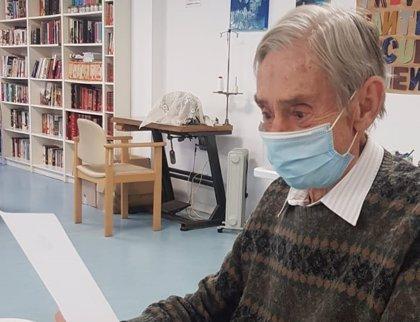 """Casi 3.000 mayores de residencias reciben una carta por Navidad: """"Gracias por pensar en nosotros"""""""