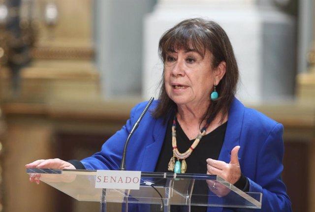 La vicepresidenta primera del Senado y portavoz de la Mesa, Cristina Narbona, ofrece una rueda de prensa tras la Junta de Portavoces en la Cámara Alta, en el Salón de los Pasos Perdidos, en Madrid (España) a 22 de septiembre de 2020.