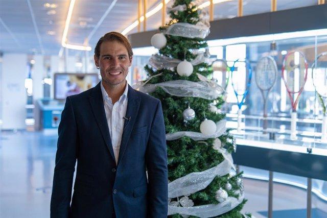 El tenista español Rafa Nadal desea una feliz Navidad desde su Rafa Nadal Academy by Movistar