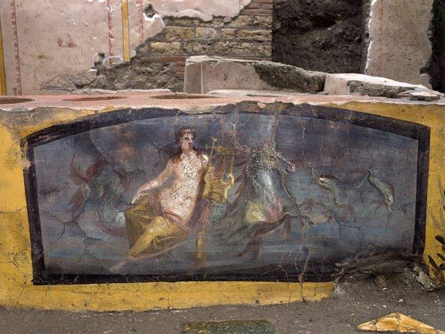 Un bar de cómida rápida intacto ha sido el último descubrimiento arqueológico en Pompeya.