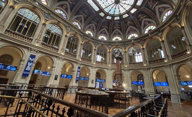 Visión general del interior del Palacio de la Bolsa de Madrid.