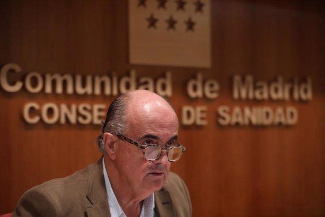 El viceconsejero de Salud Pública y Plan COVID-19 de la Comunidad de Madrid, Antonio Zapatero, comparece para actualizar la información sobre la situación epidemiológica y asistencial en la región en la Consejería de Sanidad, en Madrid (España), a 4 de di