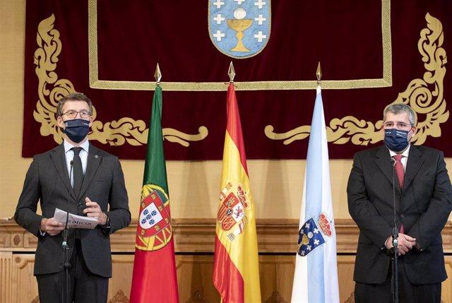 El presidente de la Xunta, Alberto Núñez Feijóo, y el presidente de la Comisión de Coordinación de Desenvolvemento Rexional do Norte de Portugal, António Cunha, tras una reunión.