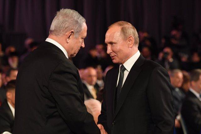 Imagen de archivo de Benjamin Netanyahu con Vladimir Putin.