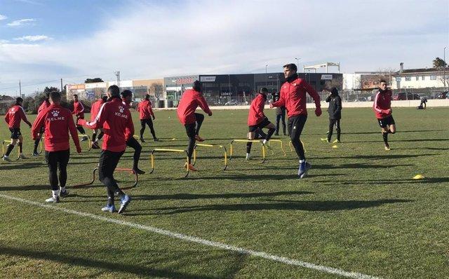 Varios jugadores del CF Reus Deportiu, en un entrenamiento durante la temporada 2018/19.