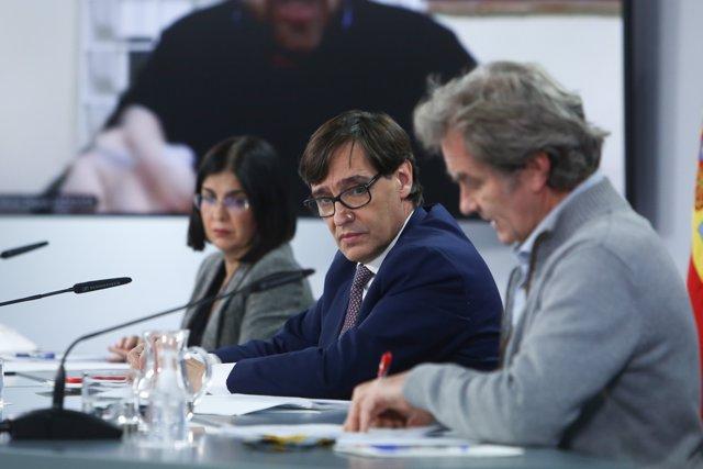 Carolina Darias, Salvador Illa, y Fernando Simón, ofrecen una rueda de prensa tras la reunión del Consejo Interterritorial del Sistema Nacional de Salud.