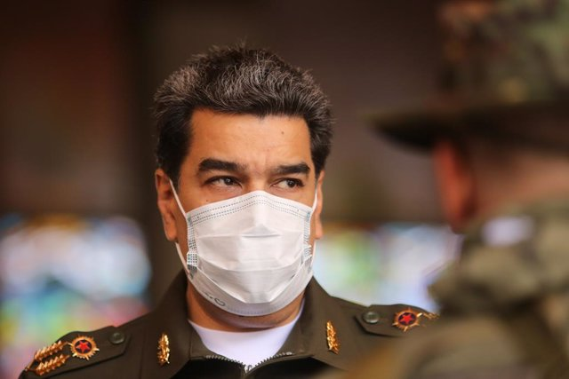 HANDOUT - 25 September 2020, Venezuela, Caracas: Venezuelan President Nicolas Maduro takes part in an event celebrating the anniversary of the Venezuelan Armed Forces' Command of Operations. Photo: -/Prensa Miraflores/dpa - ATTENTION: editorial use only a