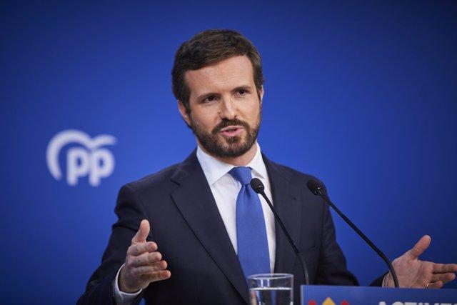 El presidente del Partido Popular (PP) Pablo Casado, comparece en rueda de prensa para hacer balance del año 2020 en la sede del partido.