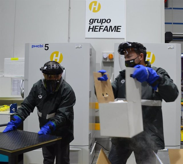 Imagen de la llegada de las vacunas de Covid-19 a las instalaciones de Hefame