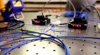 Primera teleportación sostenida a larga distancia de qubits de fotones