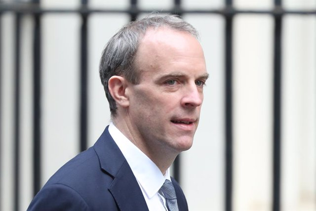 26 November 2020, England, London: UK Foreign Secretary Dominic Raab arrives in Downing Street, in the final week of a four week national lockdown to curb the spread of coronavirus. Photo: Yui Mok/PA Wire/dpa