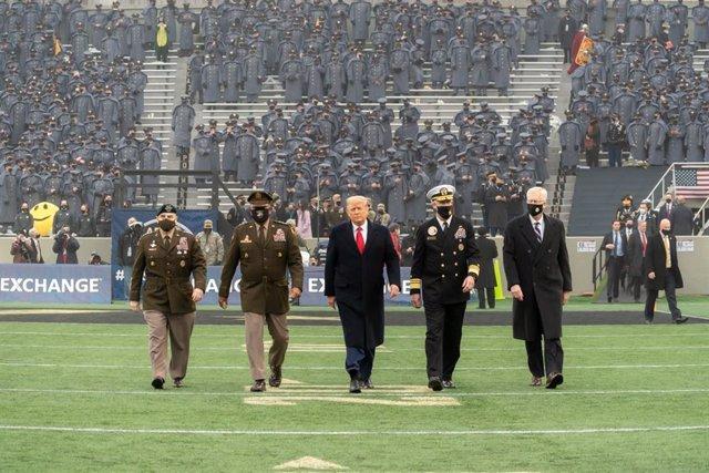 El presidente de EEUU, Donald Trump, durante el tradicional encuentro navideño de fútbol americano entre los equipos del ejército y la Marina.