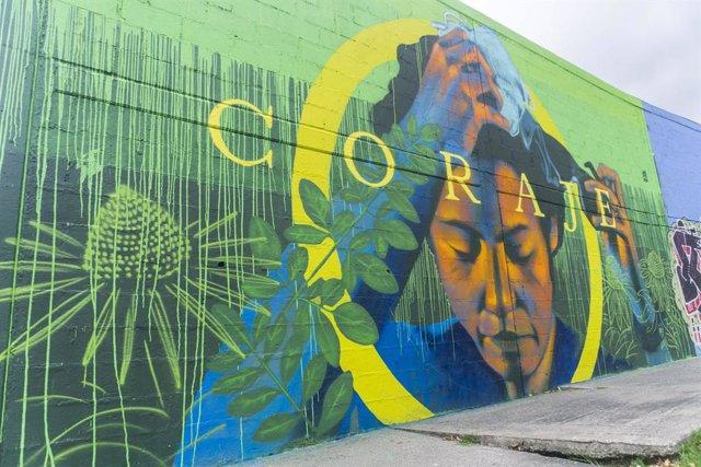Un mural de homenaje al personal sanitario en Bogotá