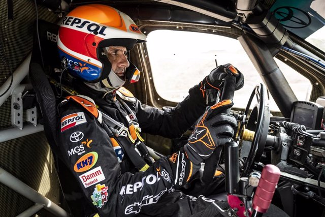 El piloto de rally Isidre Esteve (Toyota) en su preparación para el Rally Dakar 2021, que se disputa en Arabia Saudí entre el 3 y 15 de enero