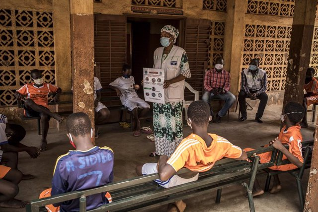 Un centro de acogida temporar por la pandemia para niños de la calle en Malí apoyado por UNICEF