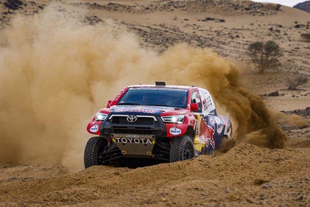 #301 Al-Attiyah Nasser (qat), Baumel Matthieu (fra), Toyota, Toyota Gazoo Racing, Auto, action during the shakedown of the Dakar 2021 in Jeddah, Saudi Arabia on December 31, 2021 - Photo Florent Gooden / DPPI