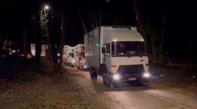 Els Mossos d'Esquadra i la Policia Local de Dosrius (Barcelona) han desallotjat onze caravanes amb persones que venien de la 'rave' de Llinars del Vallès (Barcelona)