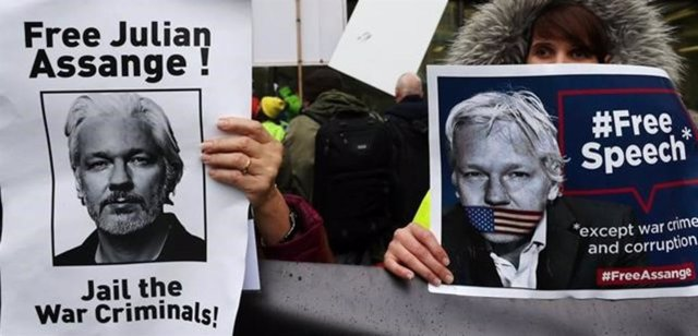 Fotograma del documental 'The War on Journalism: The Case of Julian Assange', que relata la situación vivida por el fundador de Wikileaks.